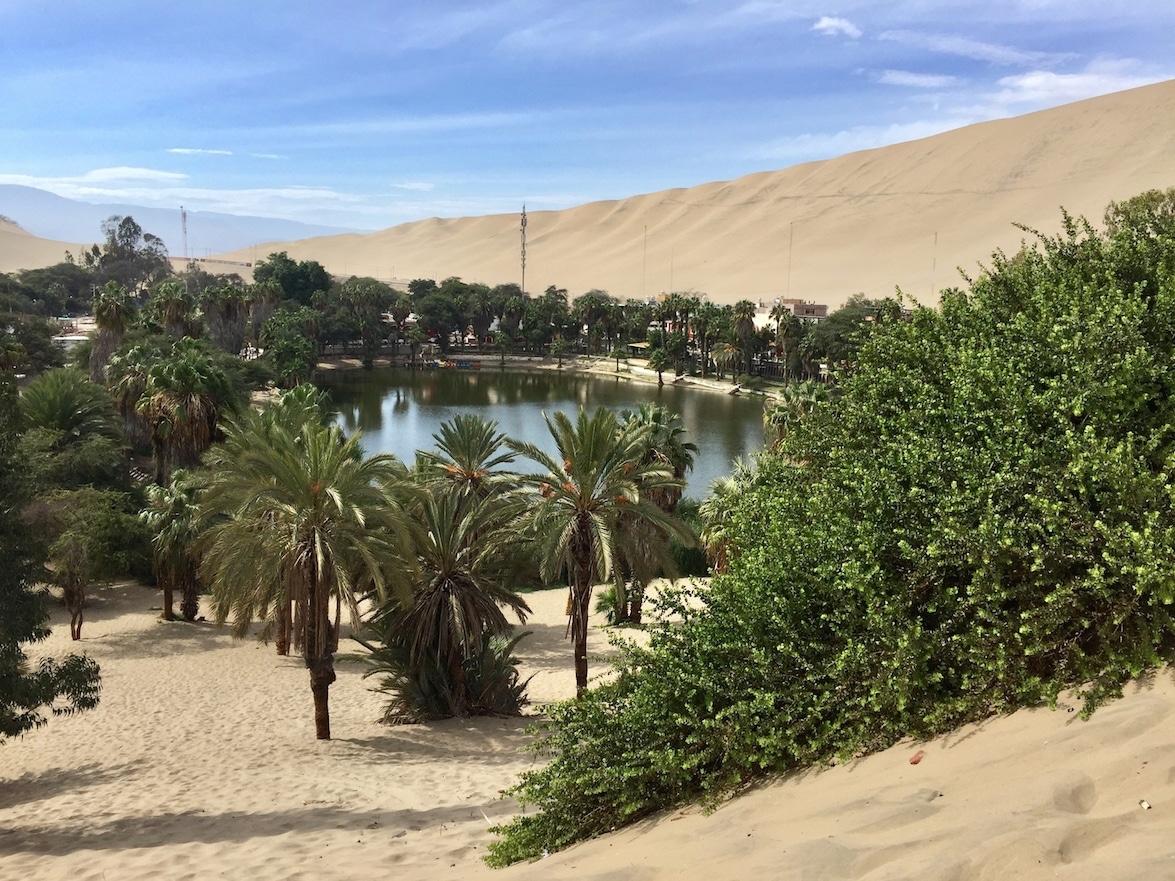 Agregue el Oasis del desierto de Huacachina de Perú a tu lista de aventuras